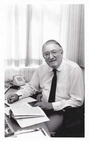 Dr Sidney Sax